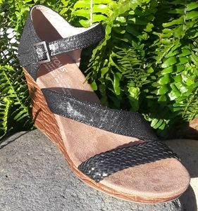 Shoes - * Tom's Ankle Strap Wedge Sandals * Wedges *